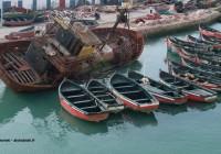 Bateau échoués dans le port d