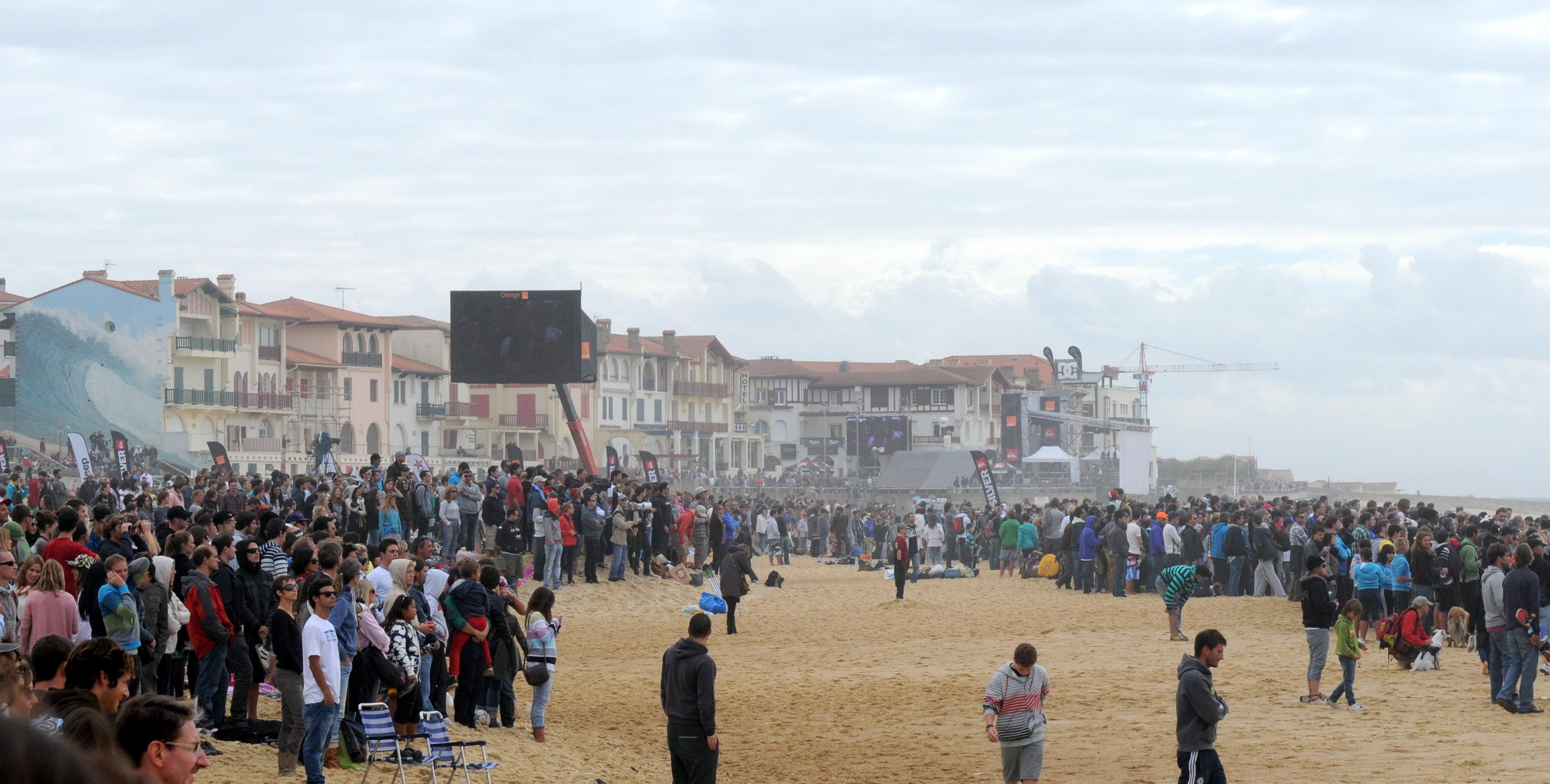 La plage de la Gravière accueille le Quiksilver Pro France de 2011
