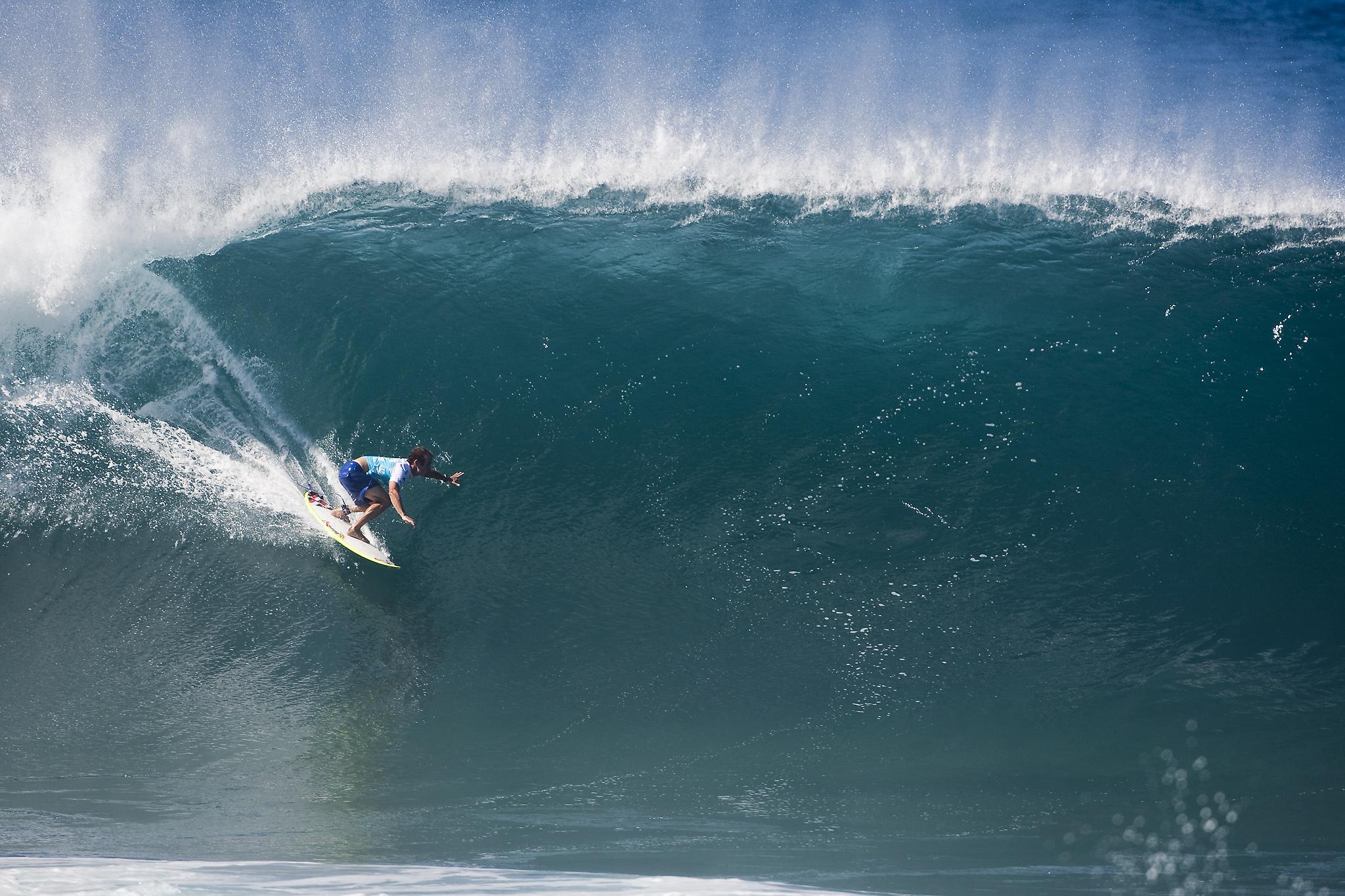 CJ Hobgood sur une vague de Pipeline absolument magnifique