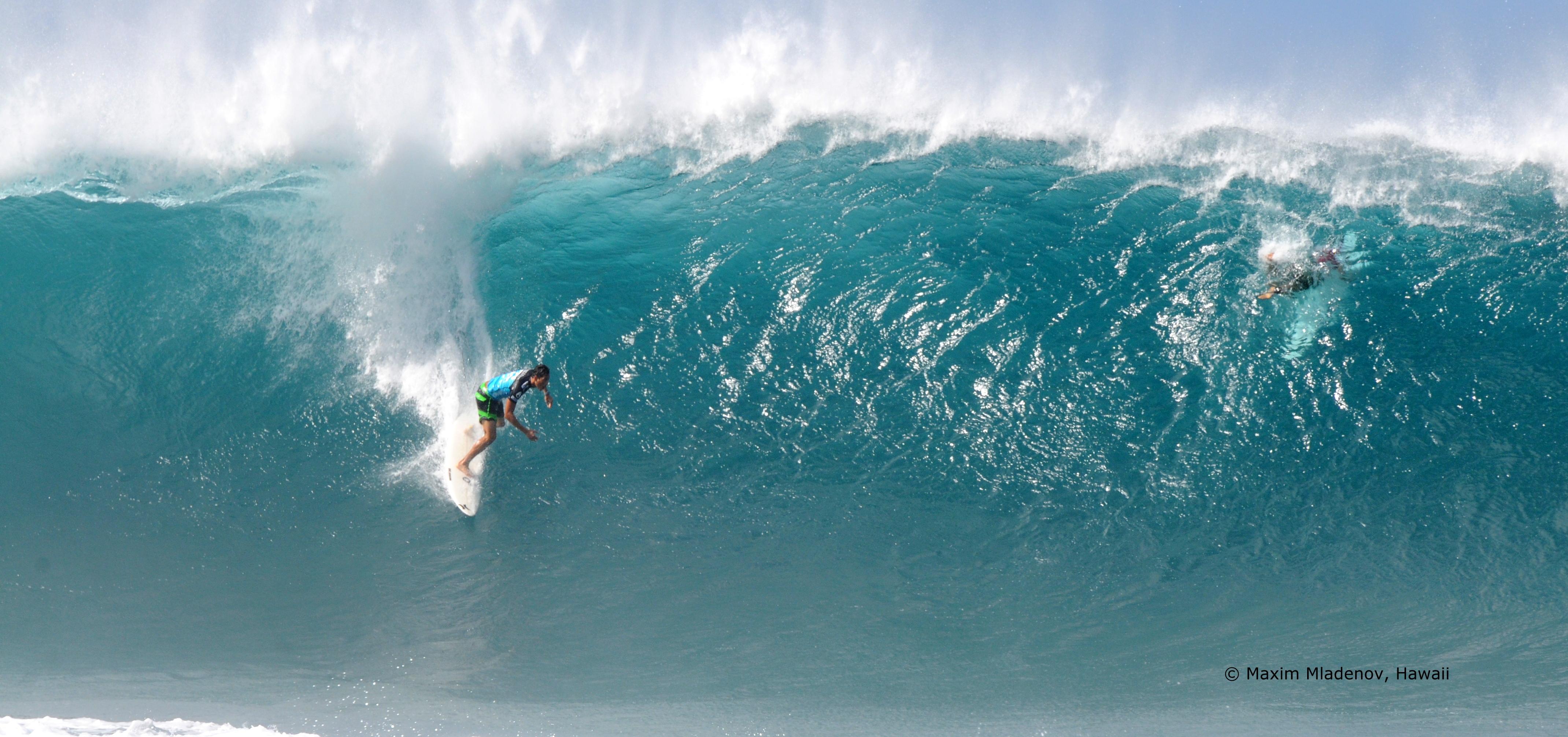 Free Fall - 08-12-2011 Billabong Pipe Masters © Maxim Mladenov, Hawaii