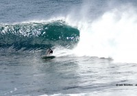 Drop under the lip, small Waimea © Loic Bourdon - alohabrah.fr-1
