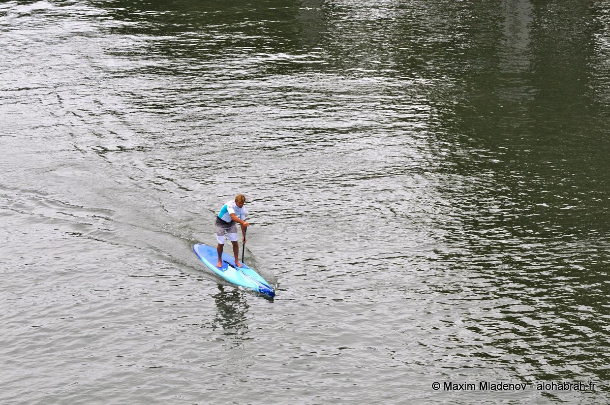 Laird vogue sur la Seine © Maxim Mladenov - alohabrah.fr