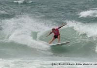 Stephanie Gilmore wins vs Carissa Moore @ Semi Final Heat 2 @Roxy Pro 2012 Biarritz © Max Mladenov, alohabrah.fr