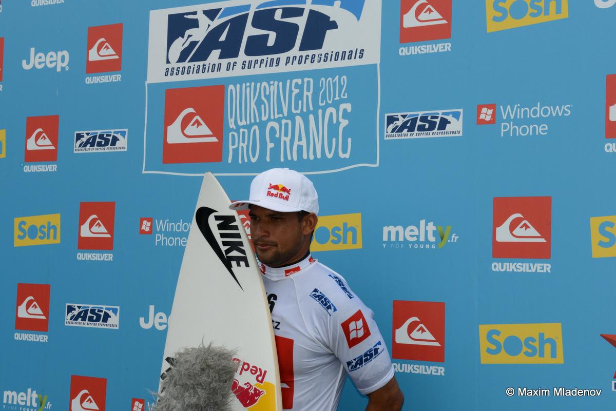 @Round 1 @ Quiksilver Pro France 2012 © Maxim Mladenov (1)